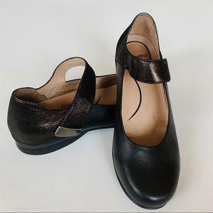 Dansko black leather Mary Jane shoe size 39
